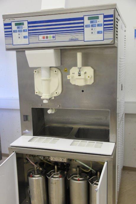 Sladoledna mašina CARPIGIANI COSS 3840 aparat za točeni sladoled