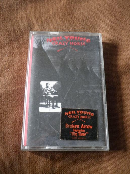Neil Young with Crazy Horse - BROKEN ARROW / KAZETA 1+2 GRATIS AKCIJA