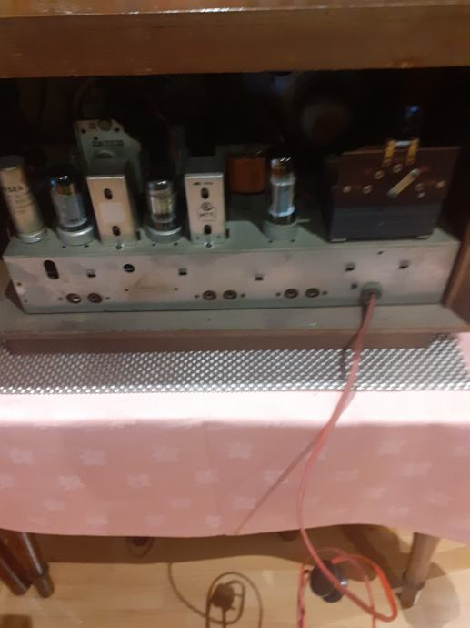 Stari radio Savica 56