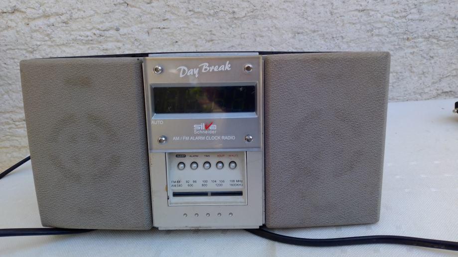 "Schneider "" Silva "" stereo tranzistor/radio"