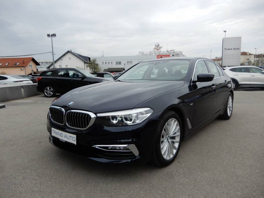 BMW Serija 5 520d AUTOMATIK LUXURY LINE *NAVI, LED, KAMERA*