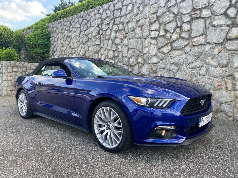Ford Mustang Cabrio 2,3i Premium