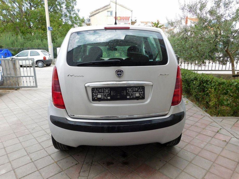 Lancia Musa 1.9 Multijet Platino - autouncle.it