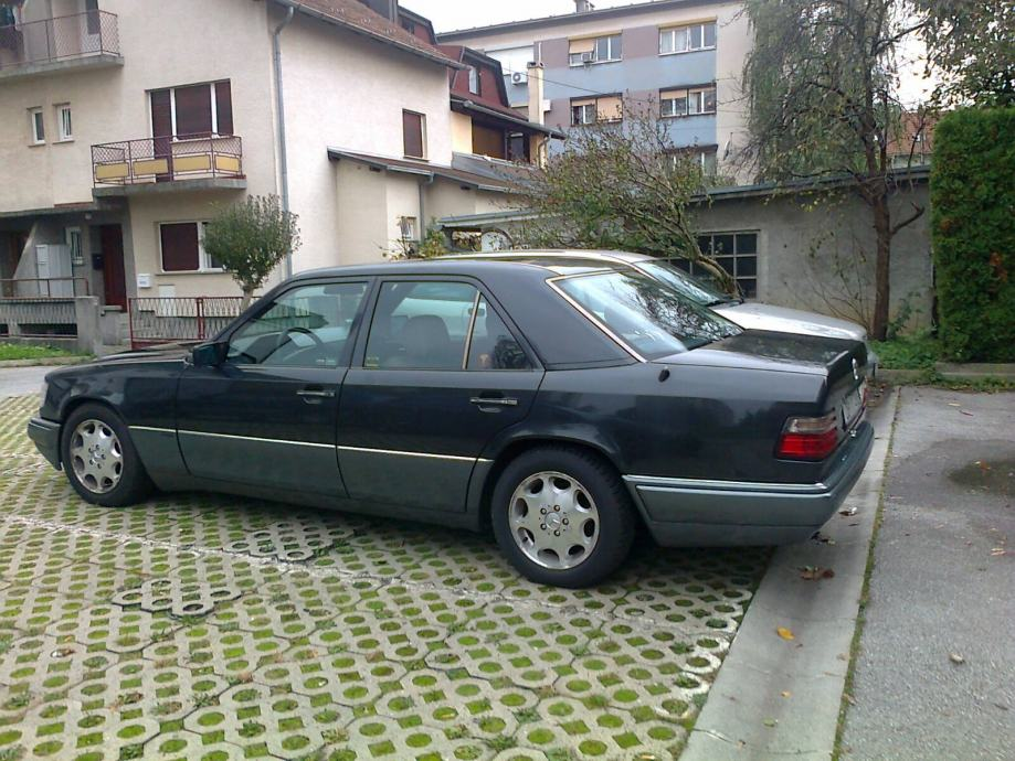 Mercedes 124 E280 automatik
