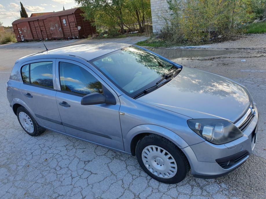 Opel Astra 1,6 TWINPORT,KLIMA,5 VRATA