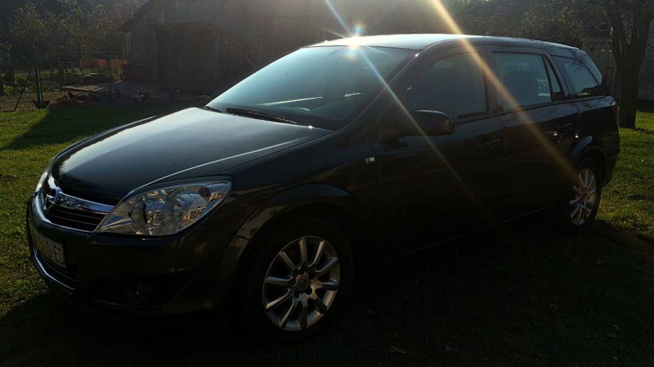 Opel Astra Karavan 1,6 16V .. • 2009.g. • Plin • Reg. 01/2021 •