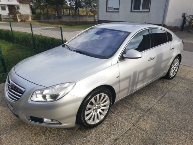 Opel Insignia 2,0 CDTI Cosmo *navigacija,koža,...