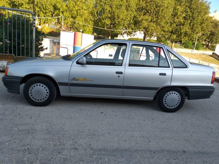 Opel Kadett 1,4 i