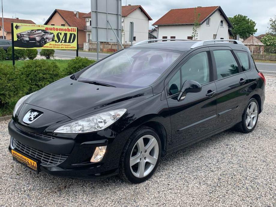 Peugeot 308 SW 1,6 HDi •navigacija•panorama•