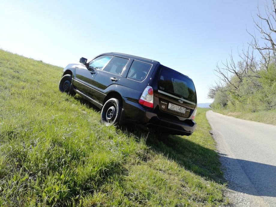 AKCIJA 11.12.!!! Subaru Forester 2,0 AWD! UGRAĐEN PLIN/LPG