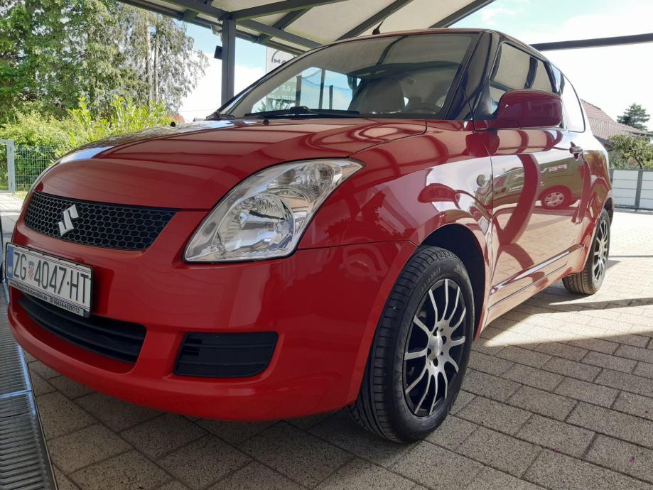 Suzuki Swift 1,3 16v 92ks, 134000km, nove ljetne gume+zimske, odličan!