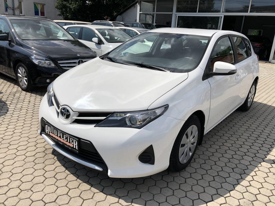 Toyota Auris 1.4 D4-D , JAMSTVO NA 12 MJESECI!