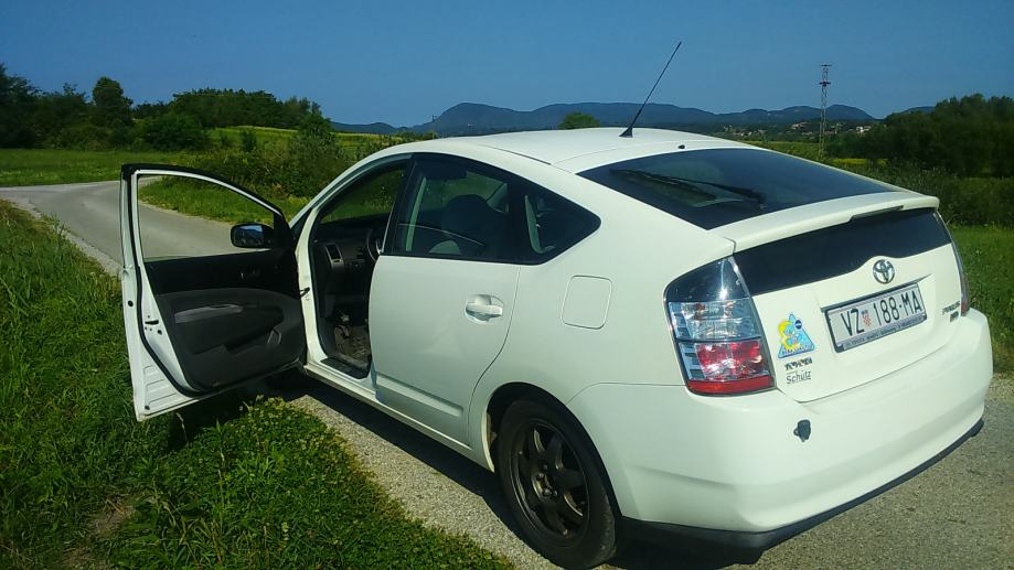 Toyota Prius 1.5 VTT-i , Plug-in, puni se na kućnu struju, solar