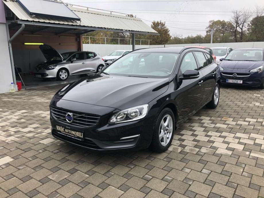 Volvo V60 D2 Momentum.. garancija na km, cijena sa PDV -om
