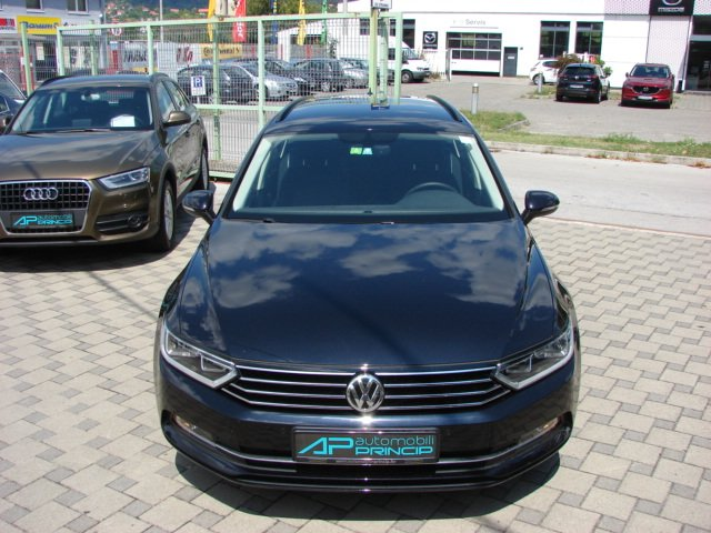 VW Passat Variant 1.6 TDI COMFORTLINE Bluemotion -25Tkm!!!