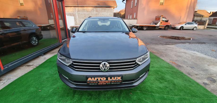 VW Passat Variant 1,6 TDI  NAVIGACIJA • KAMERA • SERVISNA  KEYLESS