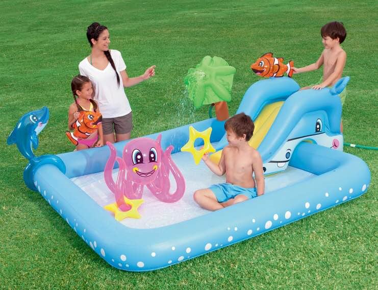 Dječiji bazen na napuhavanje s toboganom i prskalicom