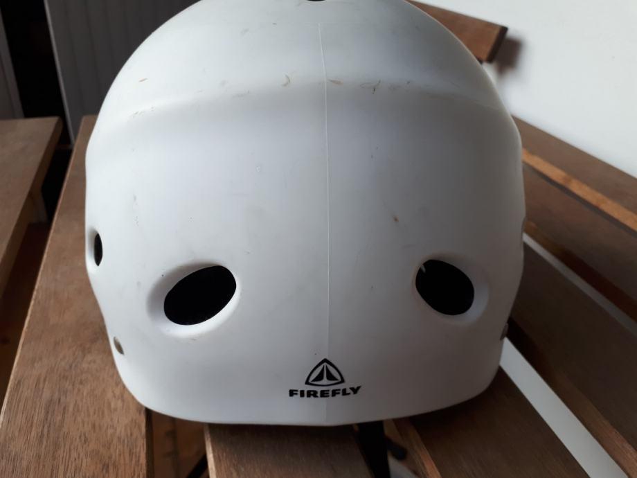 Kaciga za bicikl, role ili skijanje