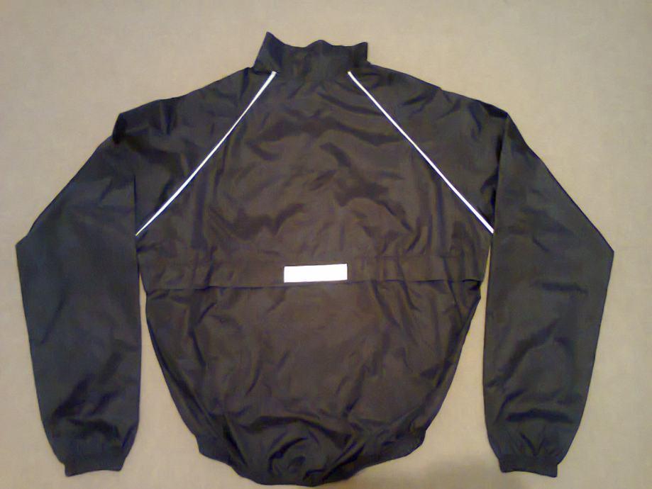 Prodajem biciklističku jaknu M vel.!