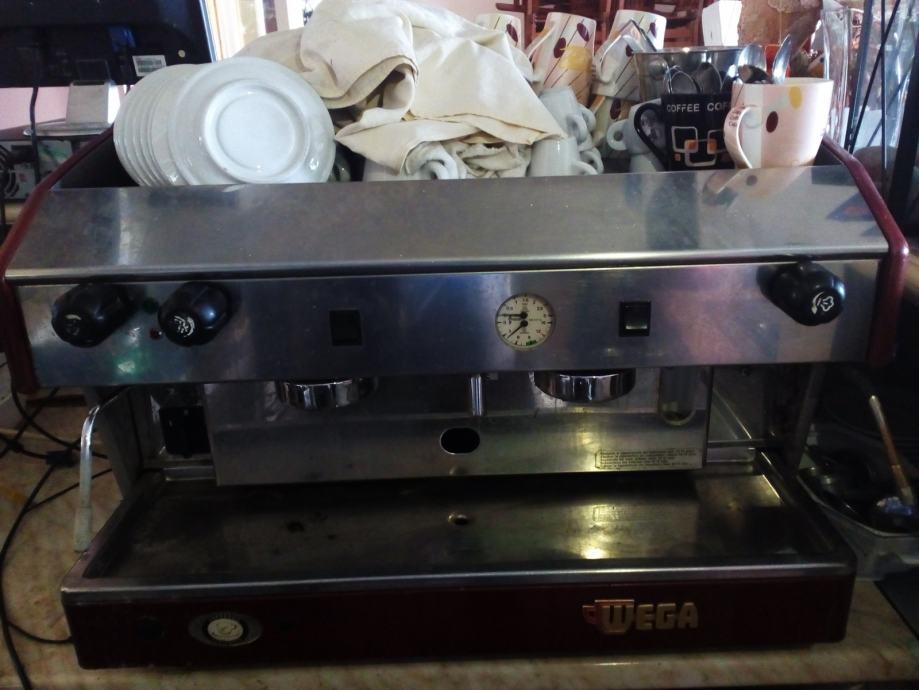 Wega aparat za kavu sa mlincem