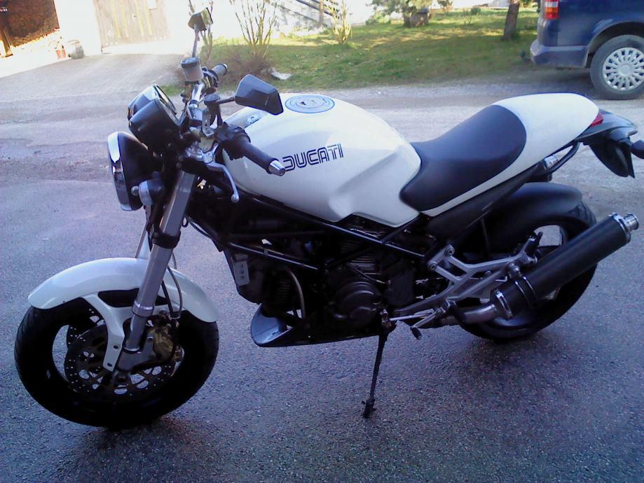 2000 Ducati Monster 900 i.e. Dark