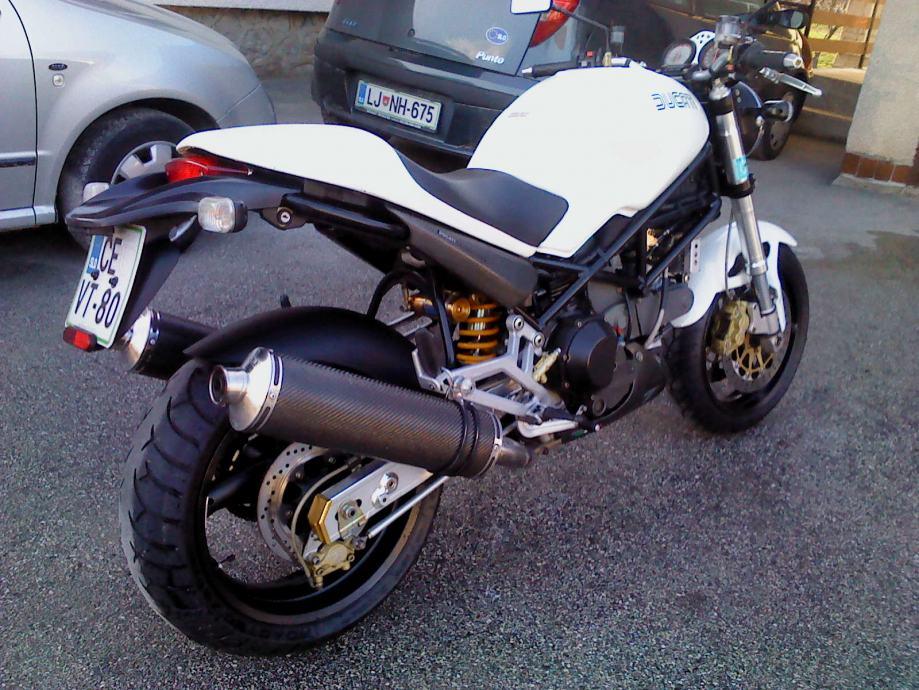 2002 Ducati Monster 900 i.e. - Moto.ZombDrive.COM
