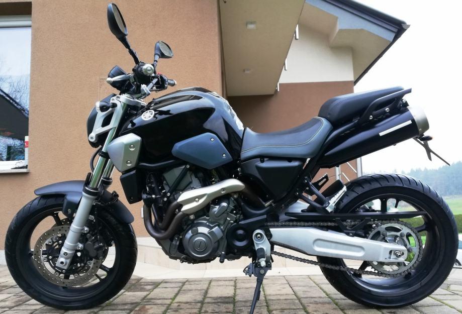 Moto del día: Yamaha MT-03 (2004) | espíritu RACER moto