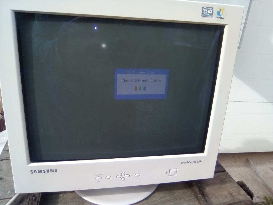 Samsung SyncMaster 957DF S