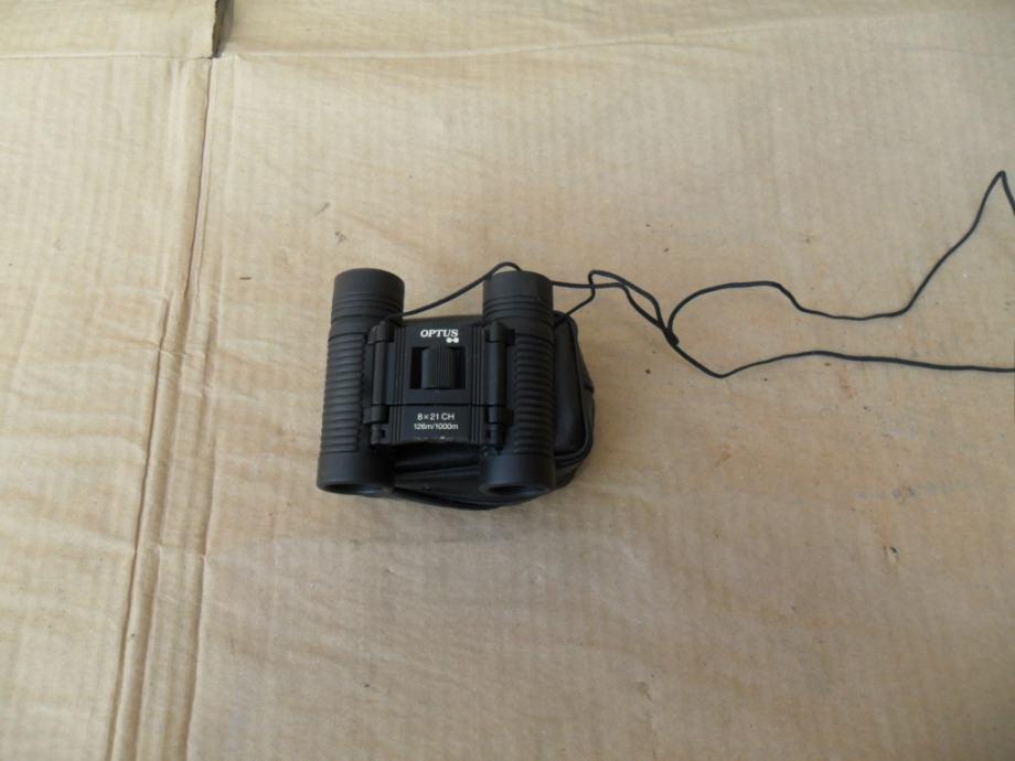 Dvogled mali mini OPTUS 8x21 CH 126/1000m