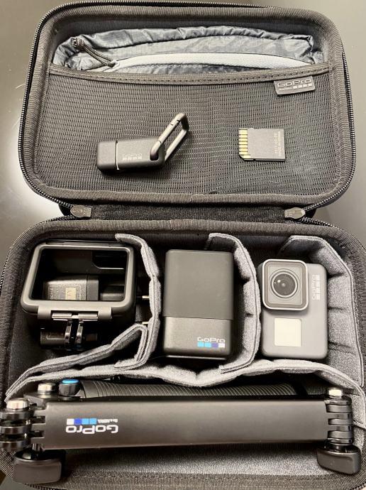 GOPRO sportska digitalna kamera HERO5  FULL OPREMA