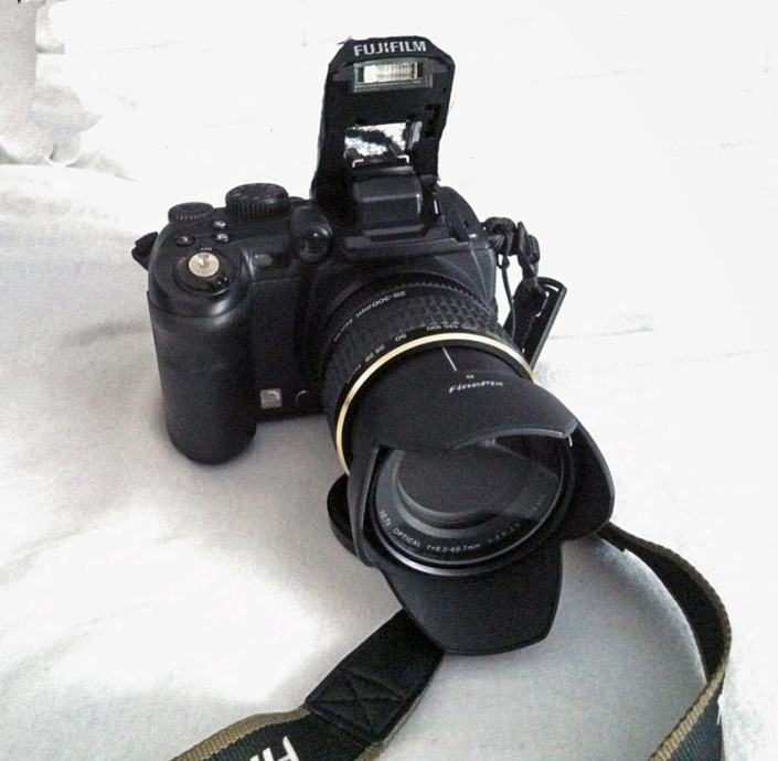 Fuji Finepix S9600