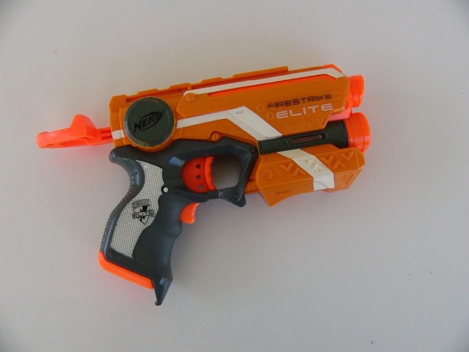 Nerf firestrike pištolj HASBRO