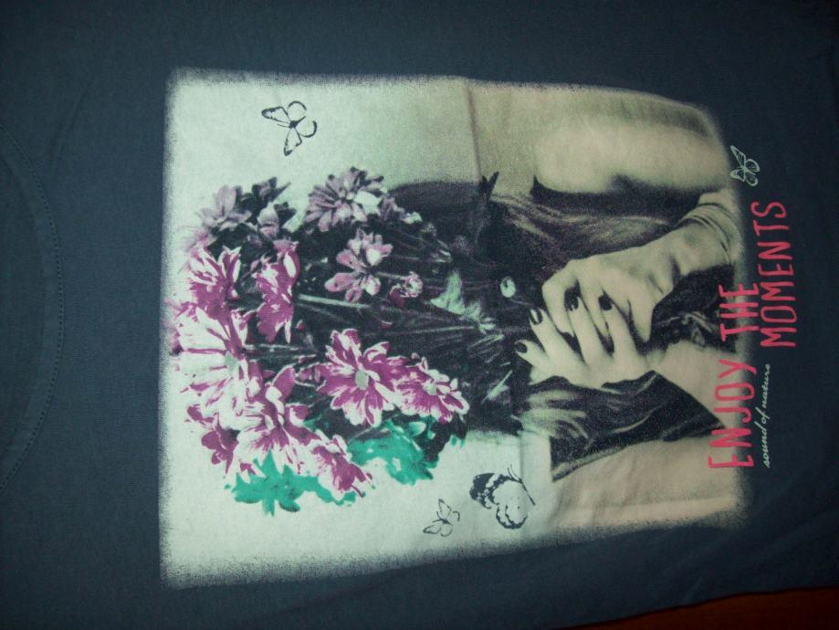 Prodajem djecju majcu.Marke;PAGE ONE YOUNG.Za;8-10y.Od;134/140cm.