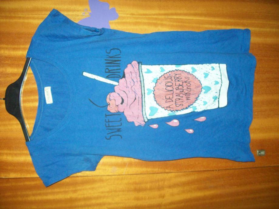 Prodajem djecju majcu.Marke;PULL&BEAR®Velicine;S.(MEX;26)Od;165/182cm.