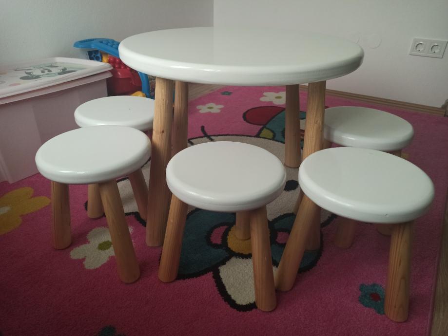 Dječji drveni stol i stolice