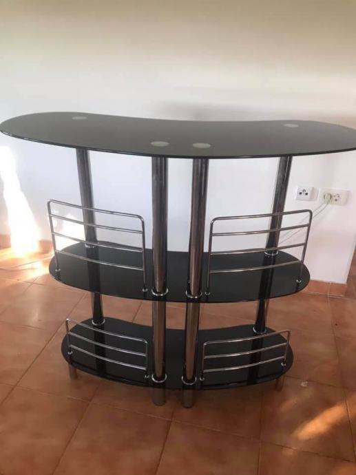 Crni stakleni stol za TV šank