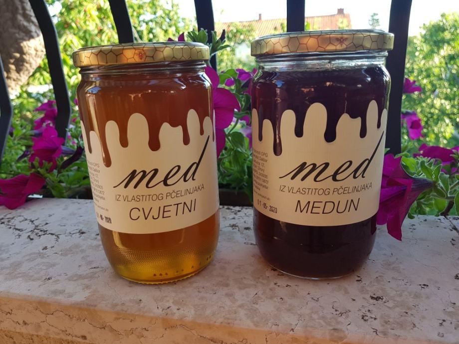 Cvjetni med i propolis(u spreju) sa vlastitog pcelinjaka.100%domaće