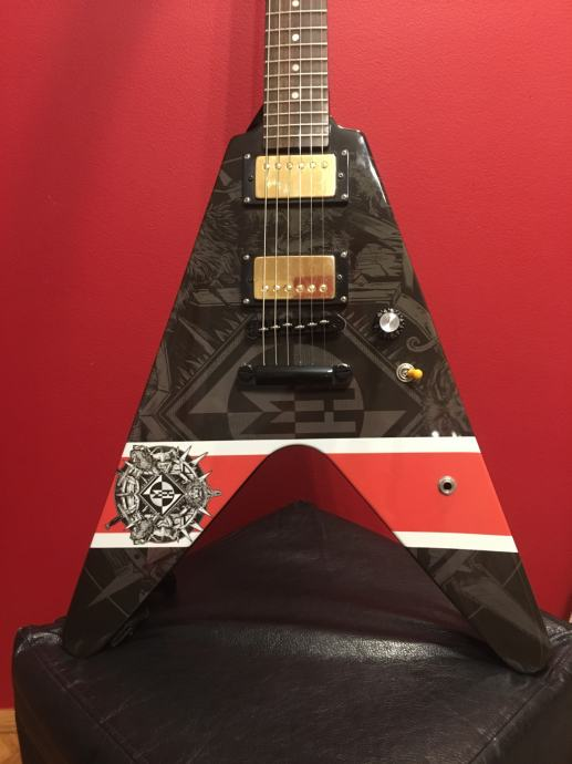 Epiphone Flying V limited Edition  Signature & Bare Knuckle pickups