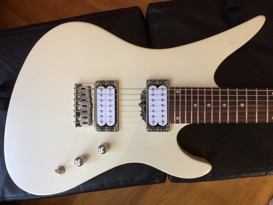 Schecter Revenger Diamond Series 7-string Pearl White & Bare Knuckle
