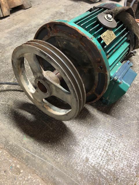 elektromotor 5.5KW 2900 okr