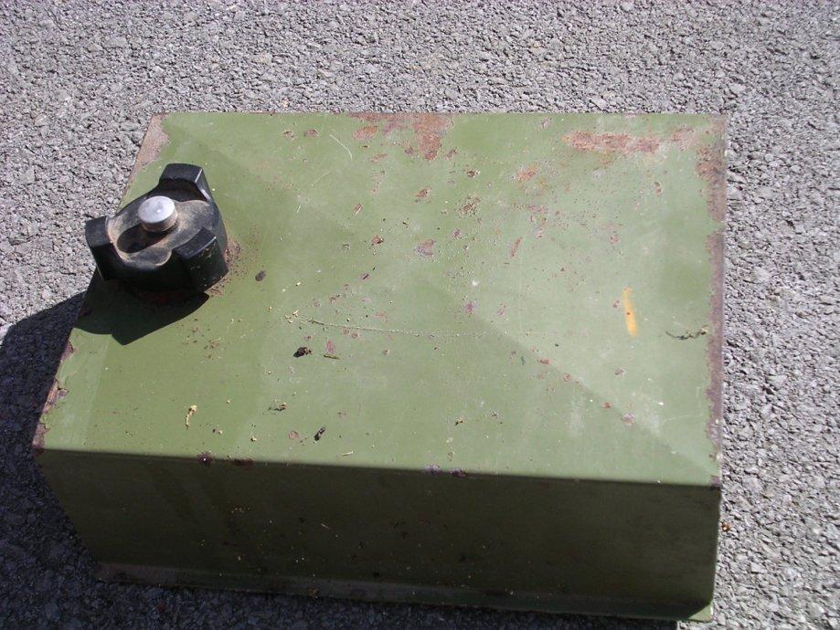 Rezervoar za gorivo za agregat ili kosilicu
