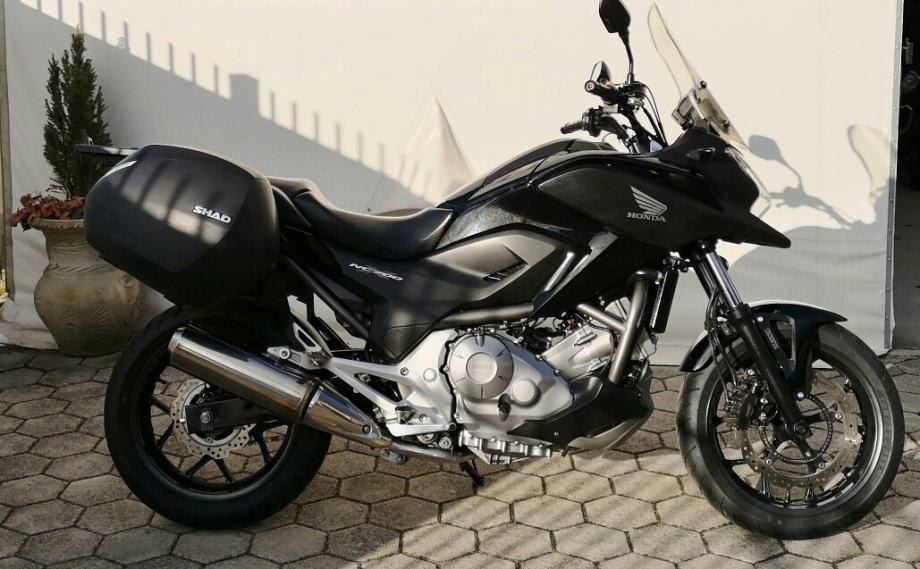 Honda NC 700 XA ABS A2 KATEGORIJA 700 cm3 S GARANCIJOM, 2013 god.