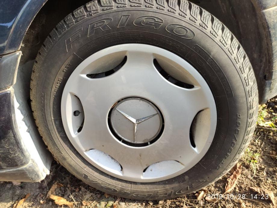 "Čelične felge 15"" sa gumama 195/65R15 Mercedes vžene samo 2000 km"