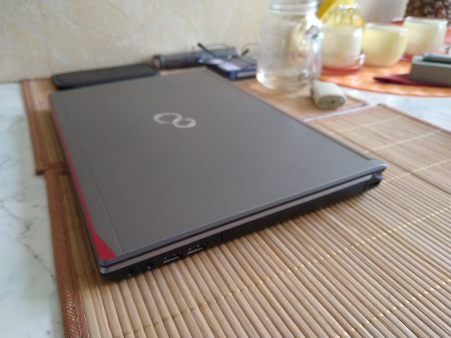 "Fujitsu Lifebook 14"", i7, 8GB, 128GB SSD"