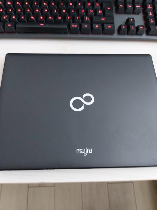 Fujitsu Lifebook P771, Zagreb