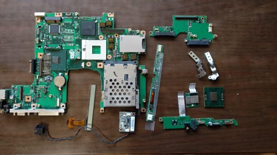 Fujitsu Siemens Lifebook E8110 #DIJELOVI#
