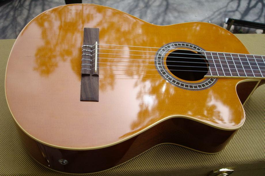 Ozvučena klasična gitara