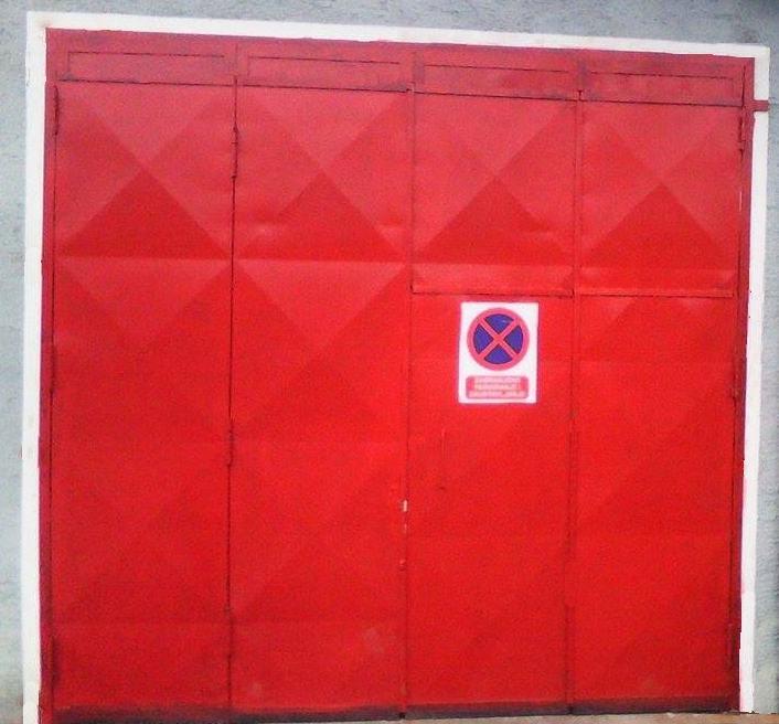Garažna vrata ( 3 kom) - POVOLJNO!!!