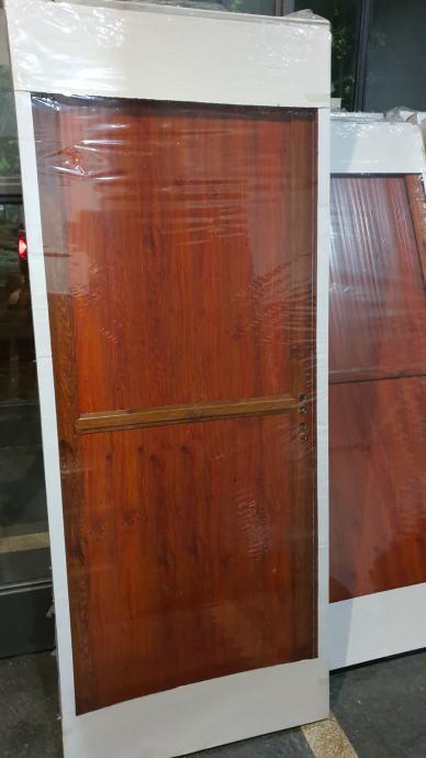 Sobna vrata smeđa i bijela Novo sa štokom 200*0,80