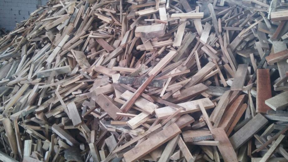"""AKCIJA""""Drva za ogrijev Ogrijevno drvo letvice 120 kn"""